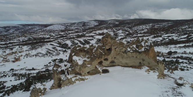 Frig Vadisinin Afyonkarahisar kesiminden kış manzaraları