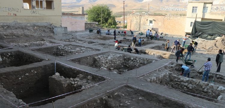 Hasankeyf'in arkeoloji kazı alanları da sulara gömülmeyi bekliyor