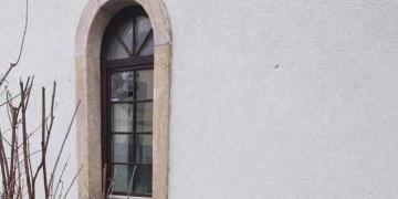 Bosanska Dubicadaki tarihi Çarşı Camisine taşlı saldırı yapıldı