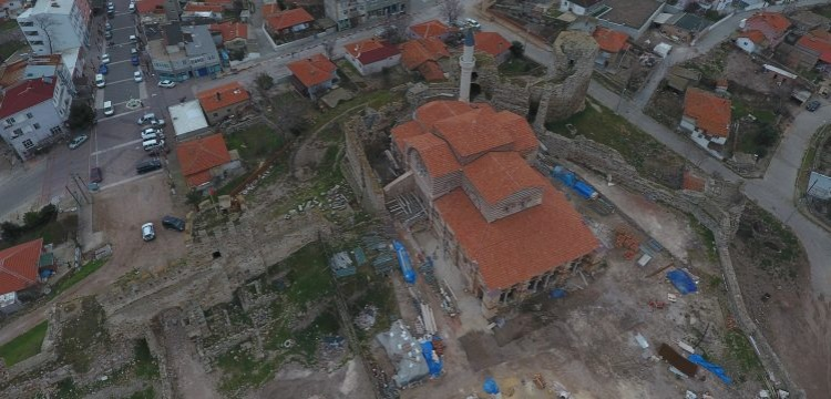 Enez Fatih Camisi'nin bir köşesi müzeye dönüştürüleek