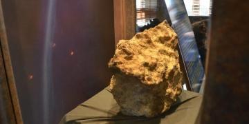 69 kiloluk Gerdekkaya Göktaşı Çorum Müzesinde müşteri bekliyor