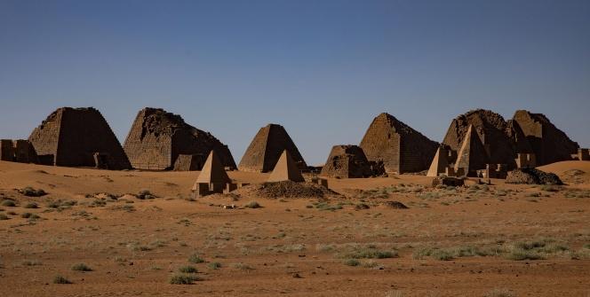 Meravi Piramitleri: Çölün Ortasındaki Gizem