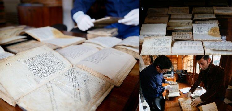 İzmir'de türbeleştirilen müderrishanede 400 yıllık kitaplar bulundu