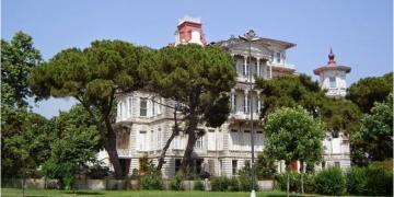 Tarihi Perili Köşk icradan satılık