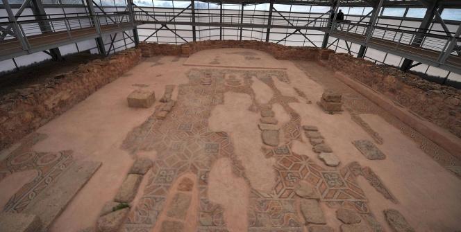 Hadrianaupolis Antik Kenti ve Mozaikleri