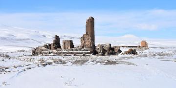 Ani Harabeleri çetin kış şartlarında da ilgi görüyor