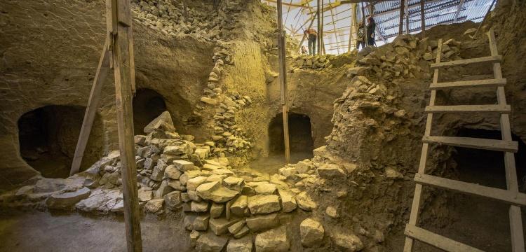 Göztepe Tümülüsü'ndeki 20 antik dönem mezarı ziyarete açılacak