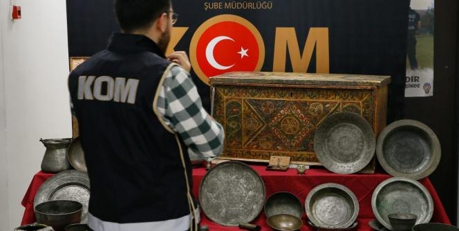 İzmirde yakalanan tarihi eserler ve Lidya sikkeleri