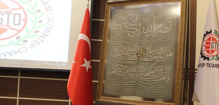 Atatürk'ün cephelerde kullandığı ipek sancak artık Gaziantep'te