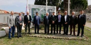 Smyrna arkeoloji kazıları İzmir Katip Çelebi Üniversitesine devredildi