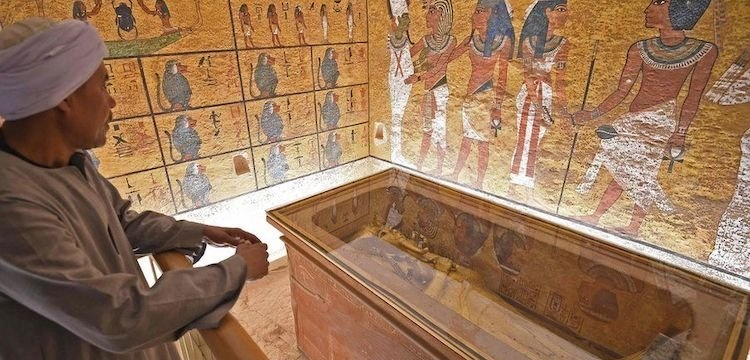 Mısırlıların yarısı Tutankamon'un mezarının taşınmasına karşı