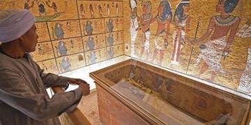 Mısırlıların yarısı Tutankamonun mezarının taşınmasına karşı