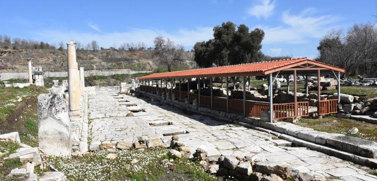 Stratonikeia mozaiklerine çatılı koruma