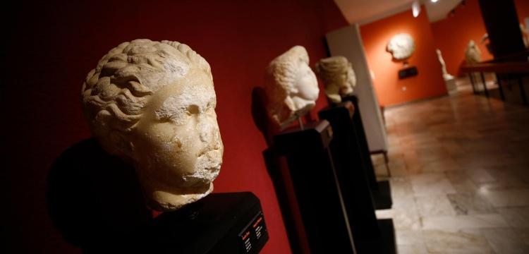 Sapphonun portre heykelinin 48 yıldır Antalya Müzesinde olduğu belirlendi
