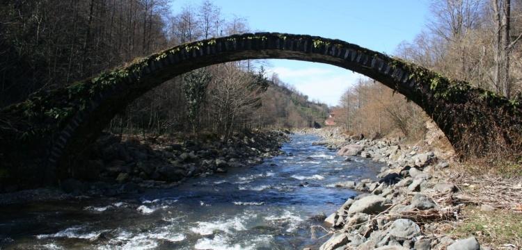 Çayeli Aşıklar Kemer Köprü yıkıldı