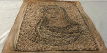 Bursada tarihi eser operasyonunda mozaik tablo yakalandı