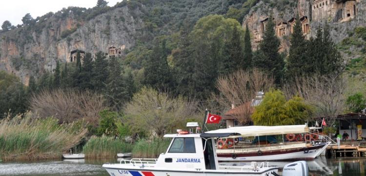 Dalyan'da turistik tekne seferleri durduruldu