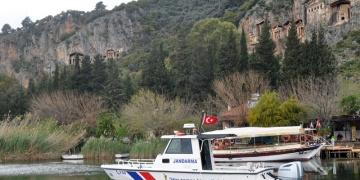 Dalyanda turistik tekne seferleri durduruldu