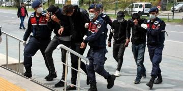 Alanyada sit alanında kaçak kazı yapanlar suçüstü yakalandı