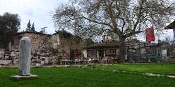 Cumhuriyetin 10. Yıl Anıtı Stratonikeia Meydanında Sergileniyor