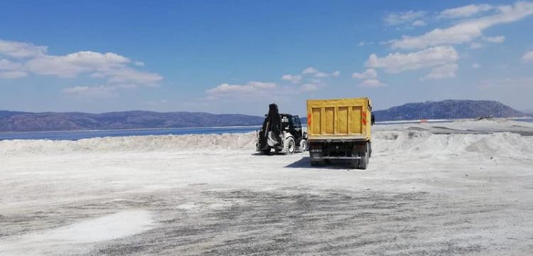 Salda Gölünün Kumları İle Yol Yapılıyor