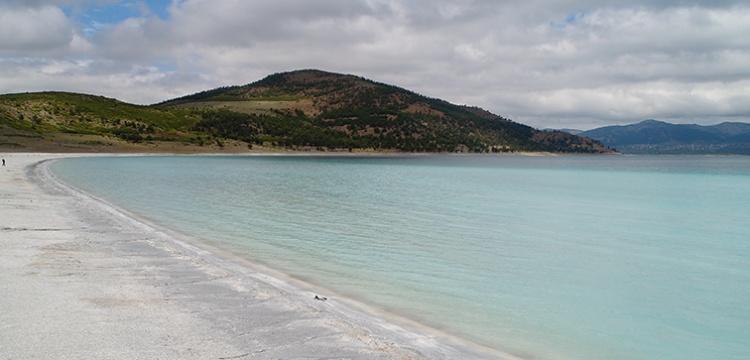 Salda Gölü kontrollü olarak ziyarete açıldı