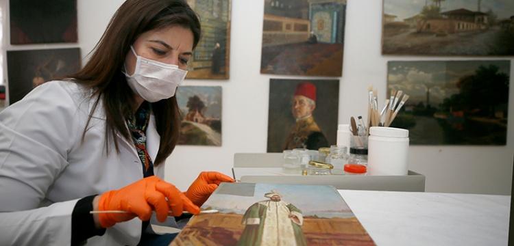 Topkapı Sarayı'n muhafaza edilen tablolar restore ediliyor