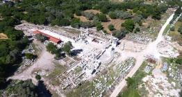 Stratonikeiada Lagina Kutsal Alanı kapısı restore ediliyor
