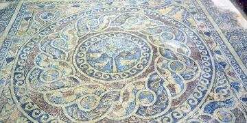 1800 yıllık elma ağacı mozaiği Amasya müzesinde sergileniyor