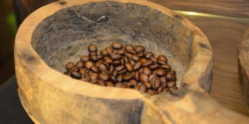 Yeşilyurtta 44 Yıl Hatır Kahve Konağı müzesi tiryakileri ağırlıyor