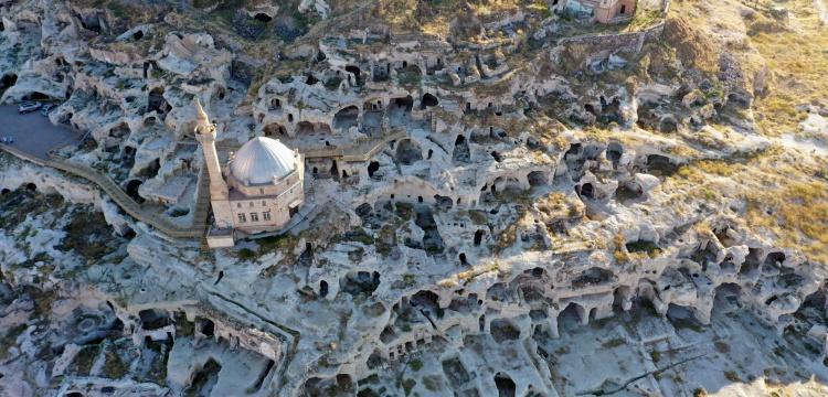 Nevşehir'deki tarihi yamaç yerleşimi restorasyonu tamamlanıyor