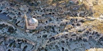 Nevşehirdeki tarihi yamaç yerleşimi restorasyonu tamamlanıyor