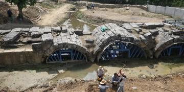 Düzcedeki tarihi Roma köprüsü kazıları başladı