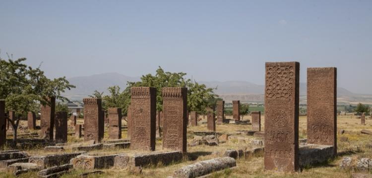 Ahlat Selçuklu mezar taşlarının epigrafik çözümlemesi yapıldı