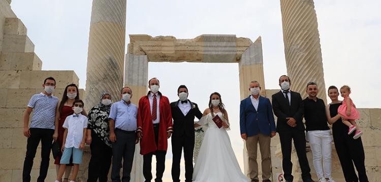 Laodikya'da Arkeolog düğünü