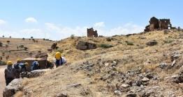 Zerzevan Kalesinin giriş kapısı bulundu