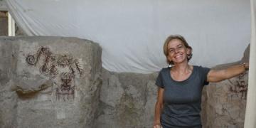 Arslantepe arkeolojik kazılarında kolye ve cam bilezikler bulundu