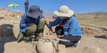 Urartuların yeni bir ölü gömme geleneği tespit edildi