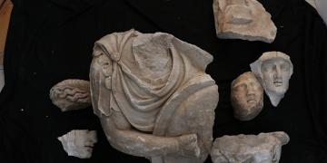 Kyzikos Antik Kenti Hadrian Tapınağı kazısında önemli ipuçları bulundu