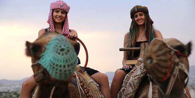 Kapadokyada deve kervanları ile egzotik safari