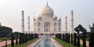 Tac Mahal yeniden ziyarete açıldı