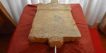 Lidya kefaret yazıtı Türkiyeye getirildi
