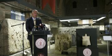 Lidya kefaret yazıtı Anadolu Medeniyetleri Müzesinde sergilenecek