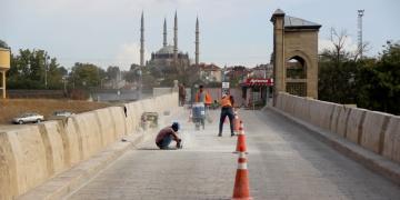 Edirne Tunca Köprüsü onarılıyor