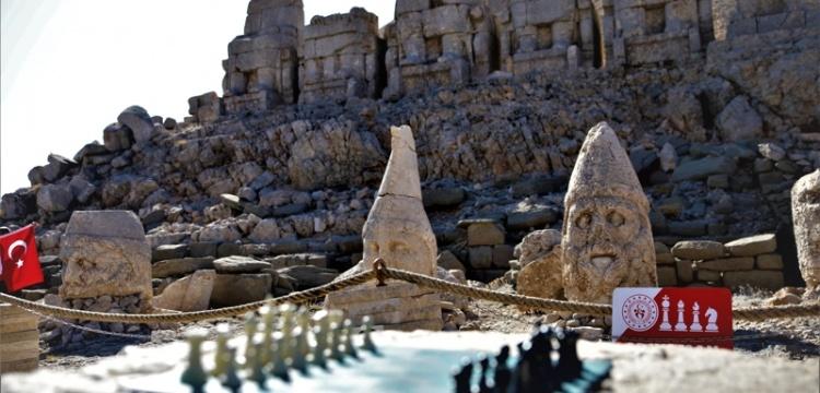 Nemrut Dağı'nda satranç turnuvası