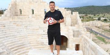 Antalyasporlu Podolski, Patarayı tanıtacak
