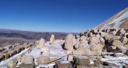 Adıyaman Nemrut Dağına mevsimin ilk karı yağdı
