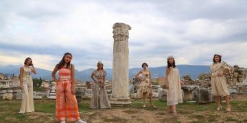 Muğla Uzunyuva Arkeoparkta defile düzenlendi