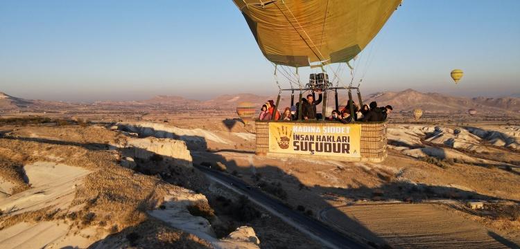 Kapadokya'da balonlar kadına şiddete tepki için havalandı