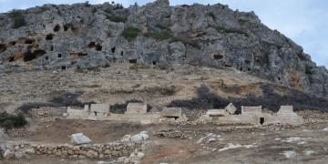 Karamanda Roma dönemine ait sarnıç ve kale surları bulundu